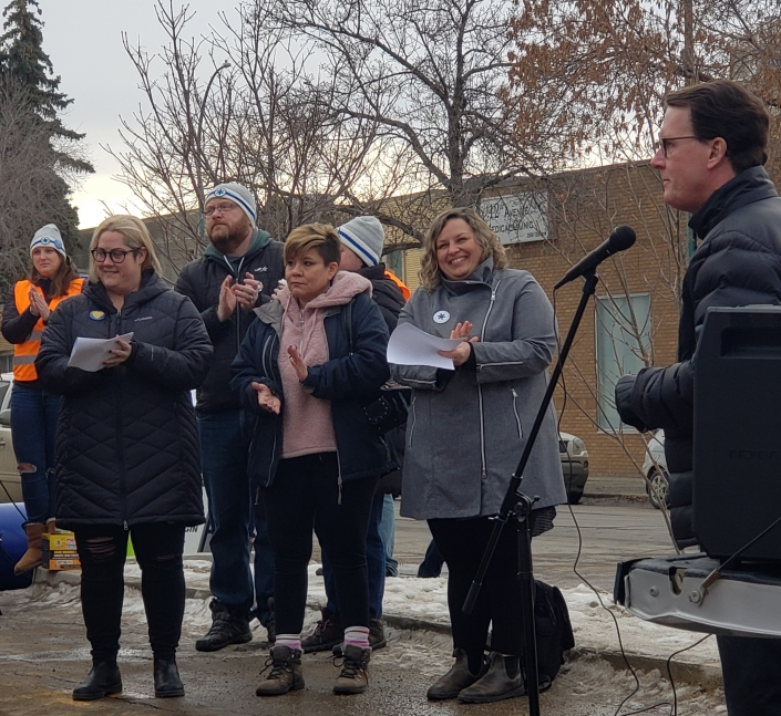 Mayor addesses the walkers before CNOY 2020